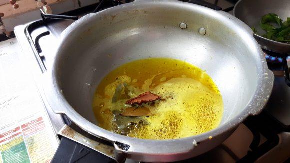 Take fry pan heat oil