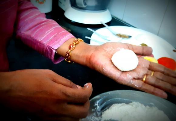 Make paneer balls