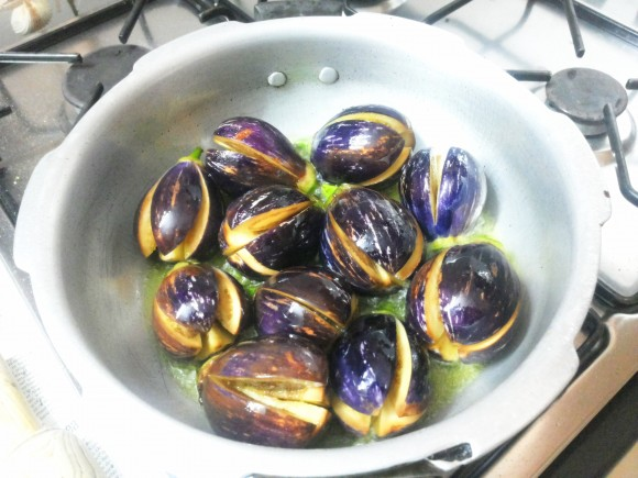 Deep fry the brinjal