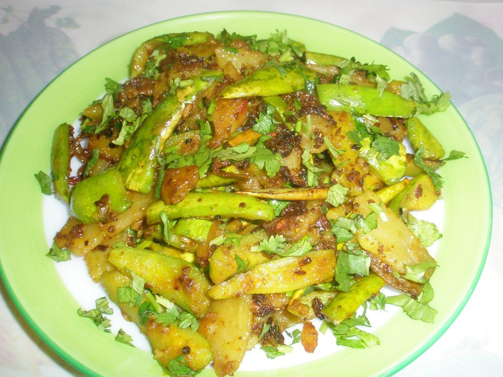 Aaloo (potato) Parwal ka bhujia (potato- pointed gourd fry)