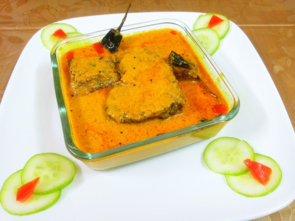 Fish in curd (yogurt) gravy
