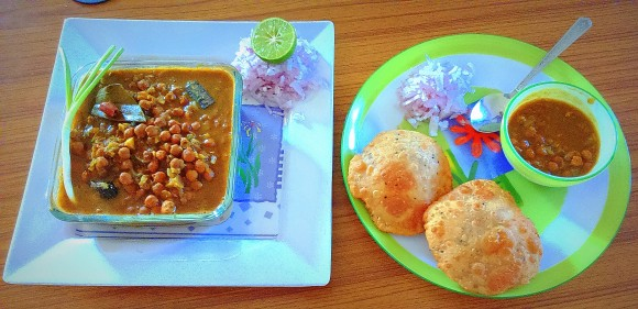 Ghughani (kala chana/Bengal gram) masala