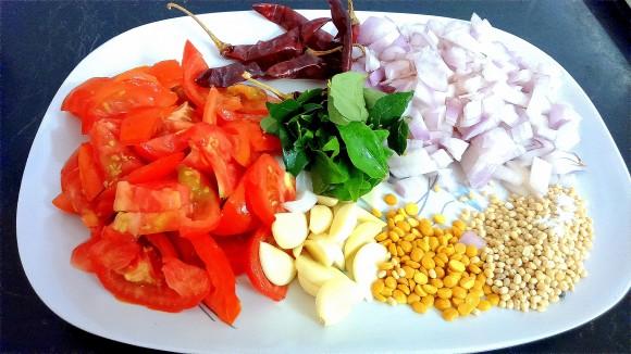 ingredients of Tomato onion ki chatney