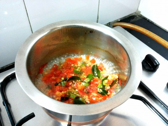 tomato, ginger, green chili and curry leaves
