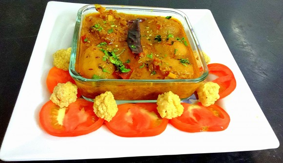 Aaloo (potato) stew