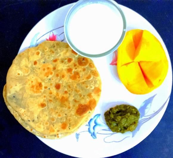 Sattu (roasted gram flour) ka paratha
