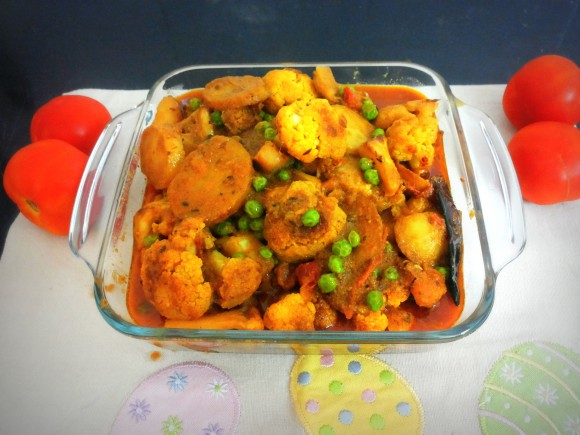 Potato, cauliflower and peas (Aaloo govi mutter) ki sabji