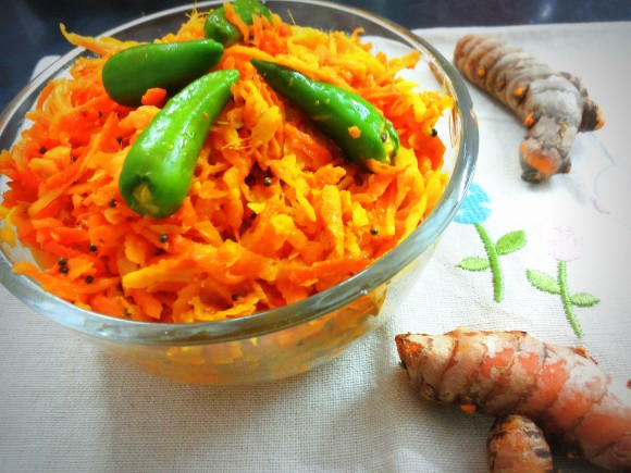 Raw Turmeric and ginger salad (instant pickle)