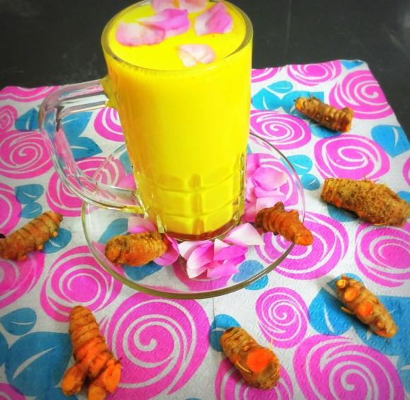 Fresh/raw turmeric milk (Kachchi Haldi ka doodh)