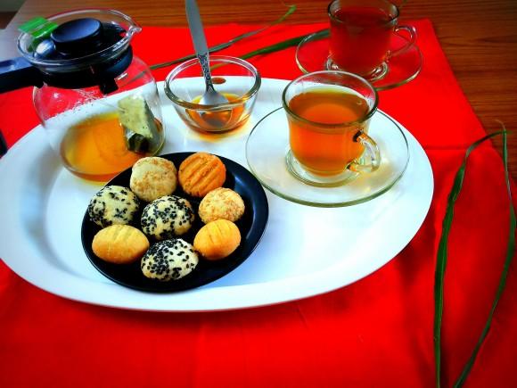 Golden green tea