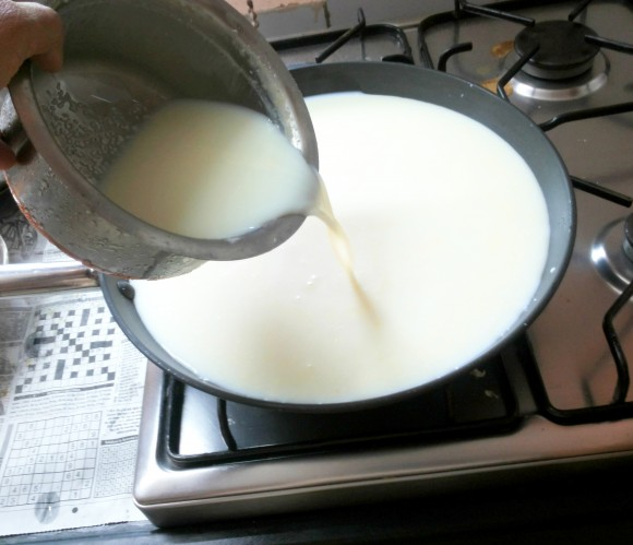 Pour the milk into the pan