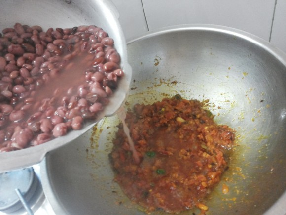 Add boiled Rajma