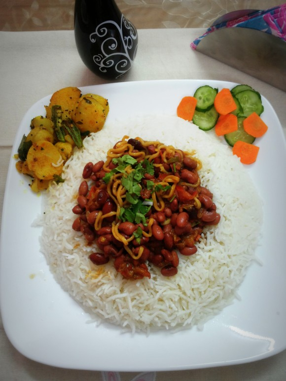 Fresh green Rajma (Red beans) with noodles