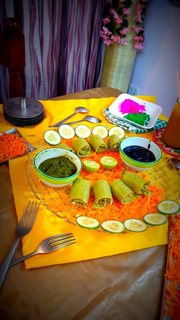 Palak (spinach) Besan (chickpea flour) ke rolls / spinach khandvi (Gujarati dish)
