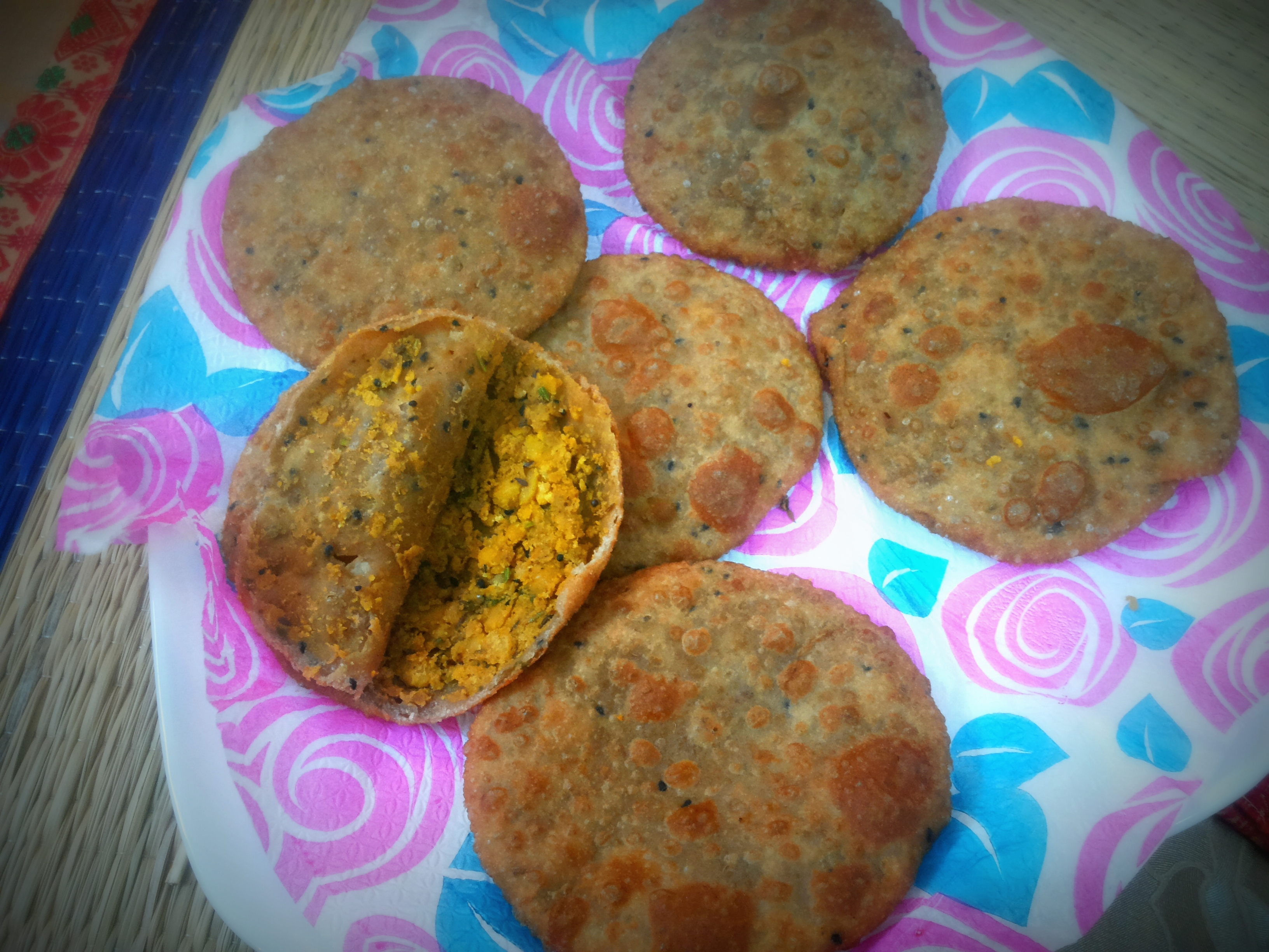 Dal (split chana/split Bengal gram) poori