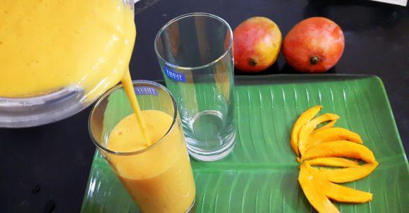 frothy mango lassi