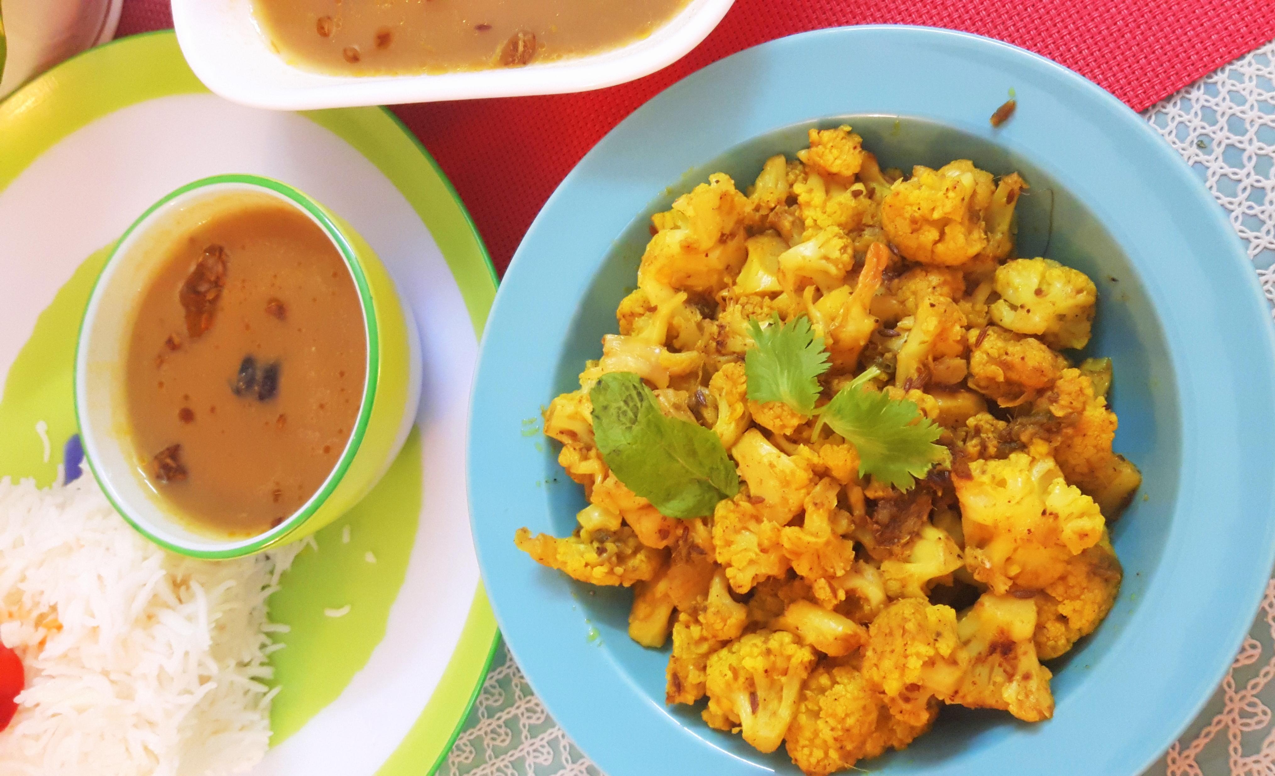 Dry cauliflower (phoolgobhi ki sabji)