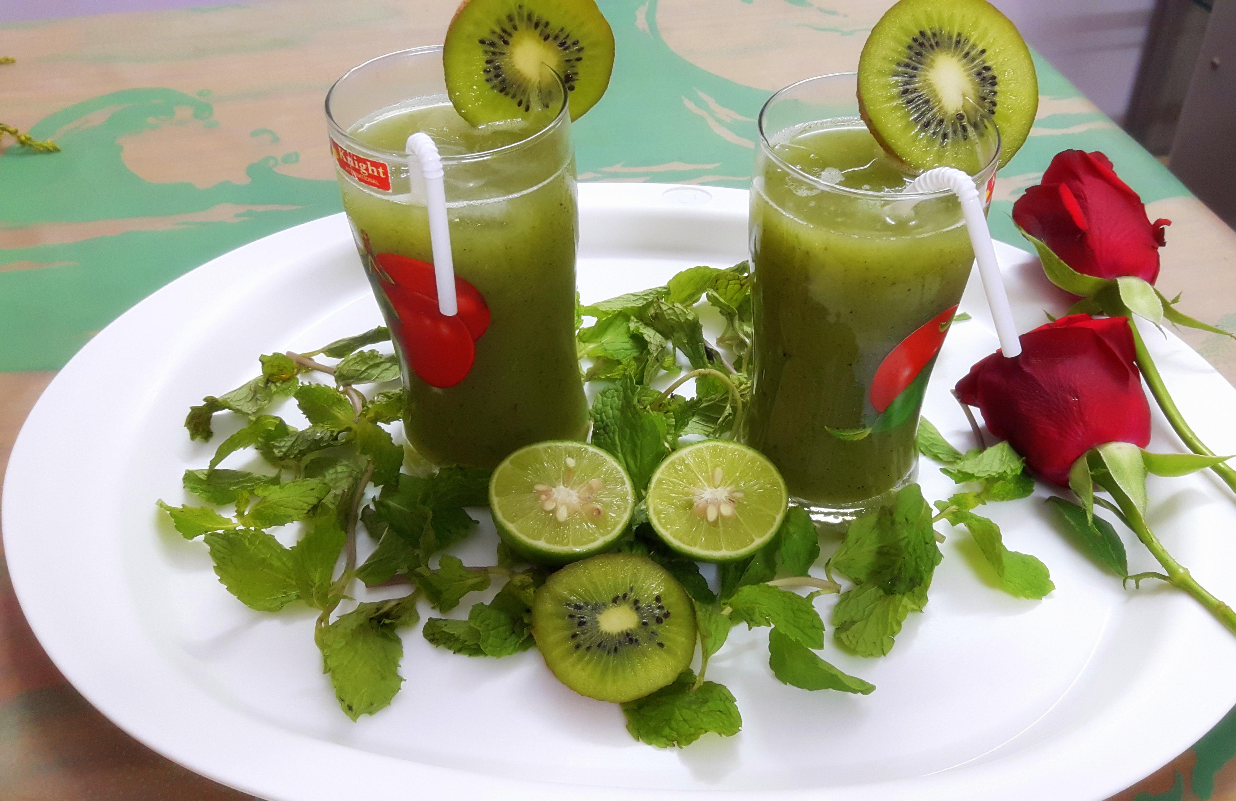 Verdant green kiwi cooler