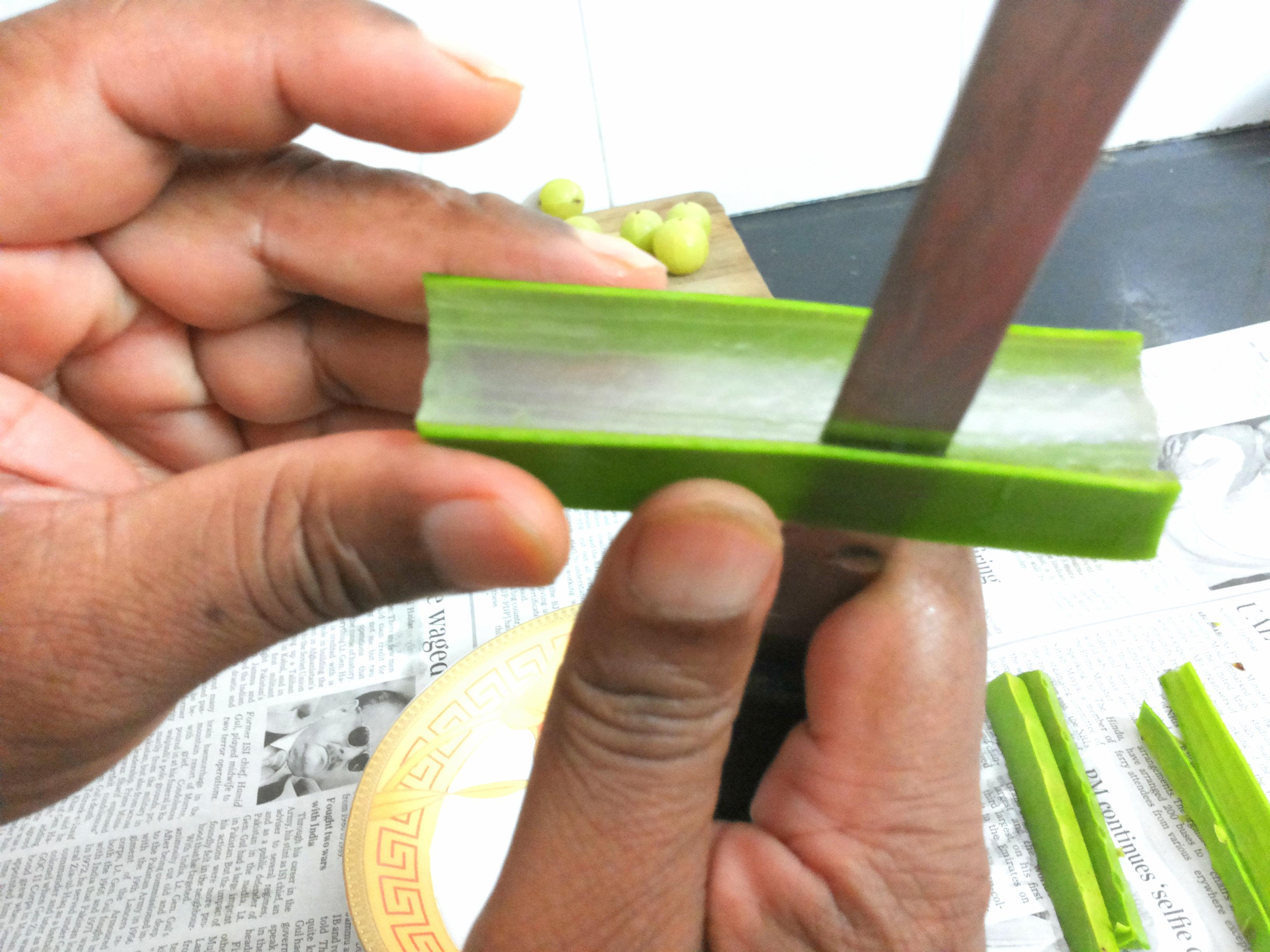 separate Aloe Vera pulp