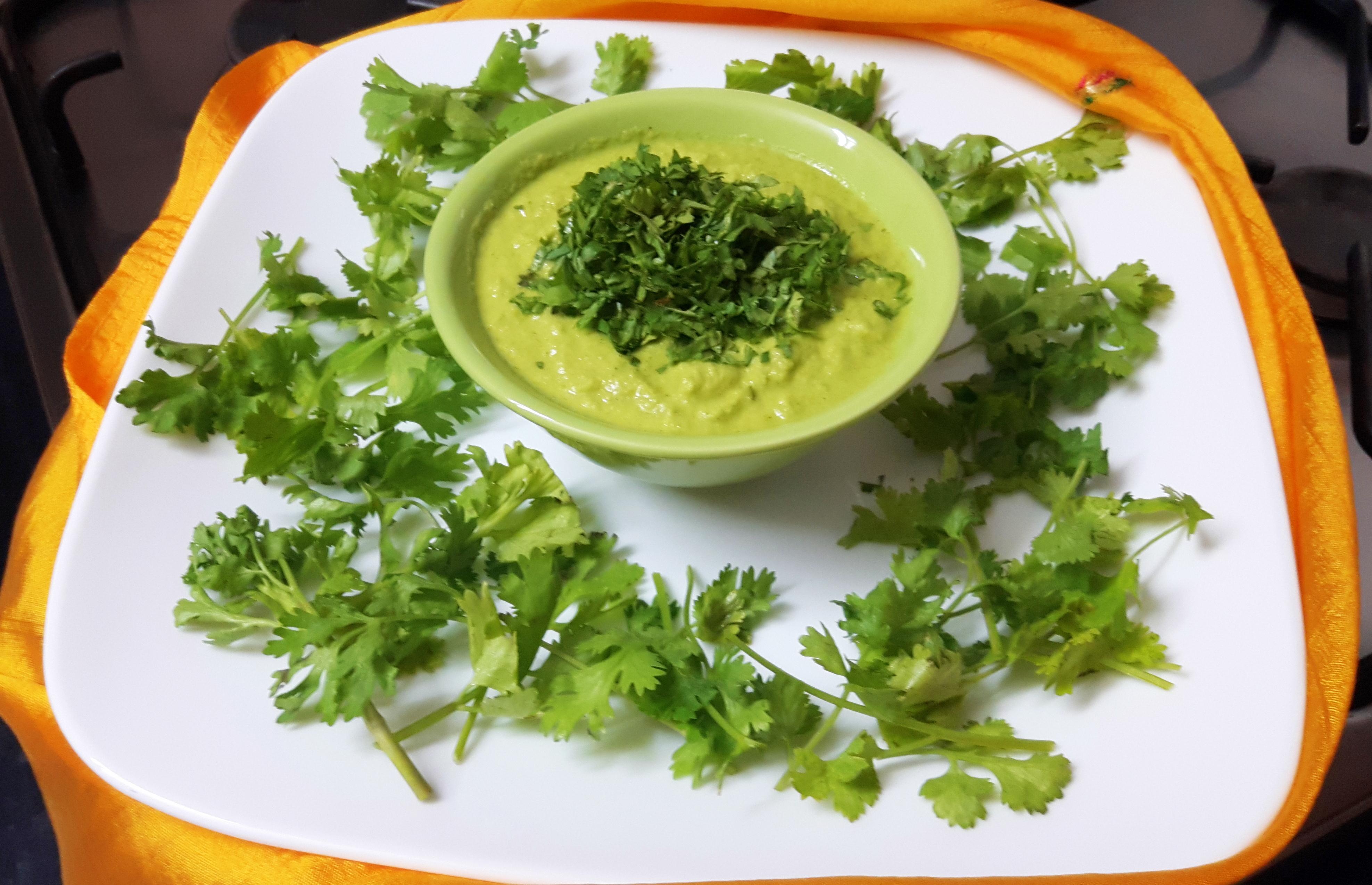 Green coriander stem and raw mango chutney