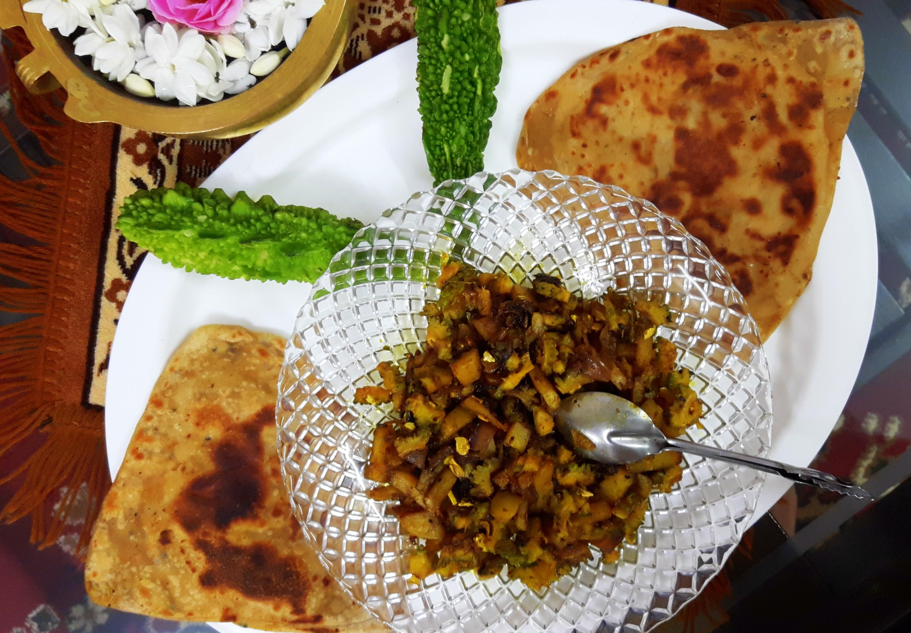 Karela aaloo ka bhujia (bitter gourd and potato fry)) (Bengali style)