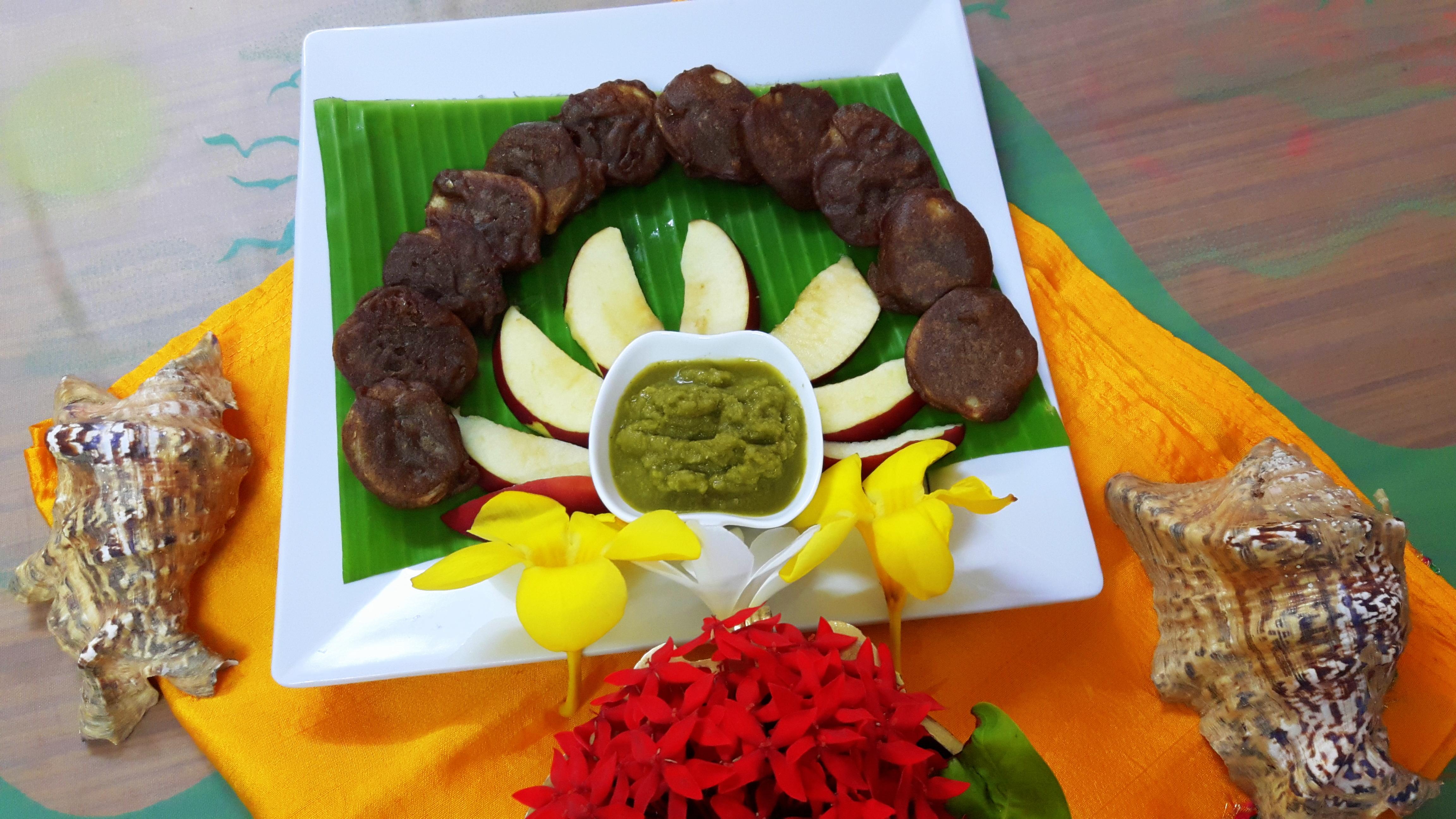 Kuttu (buckwheat) ka pakoda (phalahari fritters)